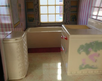 1950's Renwal bathroom set