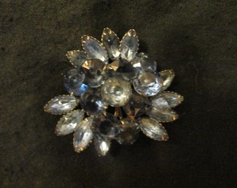 Vintage Lt Blue/Dk Blue RHINESTONE Cluster BROOCH---no label mark