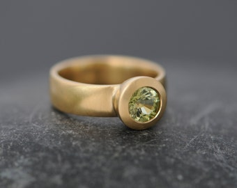 Green Tourmaline Ring - Green Tourmaline Engagement Ring - Solitaire Tourmaline Ring - Brilliant Cut Tourmaline in 18k Gold - Made to Order