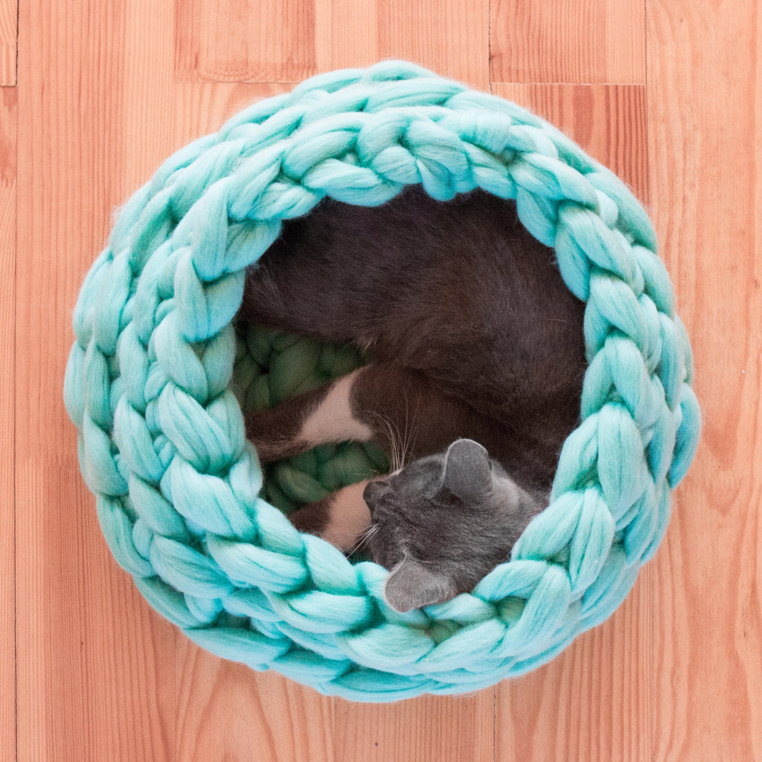 SALE Cat House Chunky Cat Bed Chunky knitting Cat