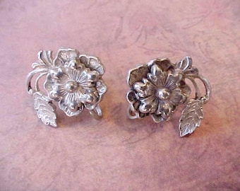 Beautiful Vintage Sterling Silver Earrings-Flowers with Swirling Leaves