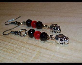 Black & Red Skull bead  earrings   (e-20)