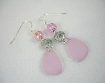 Earrings with pink sea glass and scallop shells, sea glass earrings, beachy, silver plated