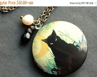 MOTHERS DAY SALE Cat Locket Necklace. Black Cat Necklace with Black Teardrop and Fresh Water Pearl. Handmade Jewelry.