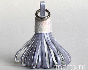 Tassel keychain / tassel bag charm in lilac / lavender metallic goatskin. Lilac pompom tassel purse charm. Christmas gift for women
