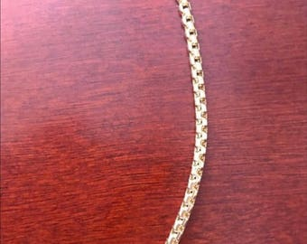 14k Gold Round Box Chain.