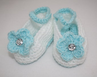 Hand Crocheted Summer Shoes for Baby Girl // Size 3 - 6 Months // Baby Summer Shoes // Crib shoes // Baby Shower Gifts // Mary janes