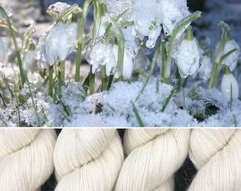 Frosty Snowdrop, soft merino nylon blend 4ply sock yarn white undyed with silver stellina