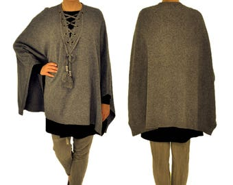 IL700GR poncho knitted Cape one size laced PomPoms GR 38-46 grey