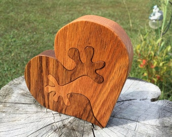 Wooden Puzzle Oak Couple Wooden Heart Hands Puzzle Custom Wedding Decor Personalized Heart Wedding Decoration Bride Groom Couple Gift