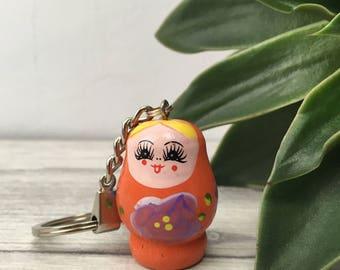 Orange nesting doll keyring, orange keychain, kitsch keyring, kitsch gift, novelty gift for her, cute gift, quirky gift, coworker gift