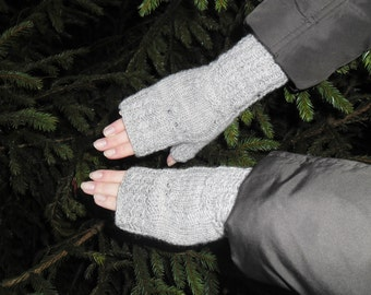 Gray knitted fingerless with owls, Knitted arm warmers, Gray arm warmers, Gray wool gloves, Knit wrist warmer, Owl wrist warmers