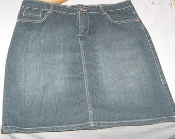 90's Blue Jean Skirt size 10