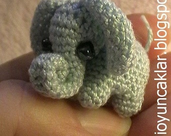Crochet 0.8 inc Miniature Elephant