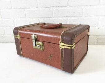 Vintage Vacationer Train Case, Small Make-up Storage Case, Retro Travel Luggage, Ephemera Box Suitcase