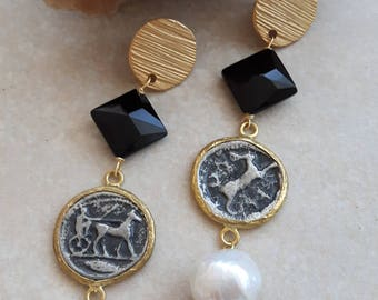 White Baroque pearl earrings, coins, onyx and brass