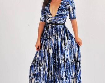 Long V Neck Dress/ Maxi Dress/ Quarter Sleeve Maxi/ Summer Dress/ Bridesmades Dress/ Long Boho Dress/ Sun Dress/ Beach Dress/ Lycra Stretchy