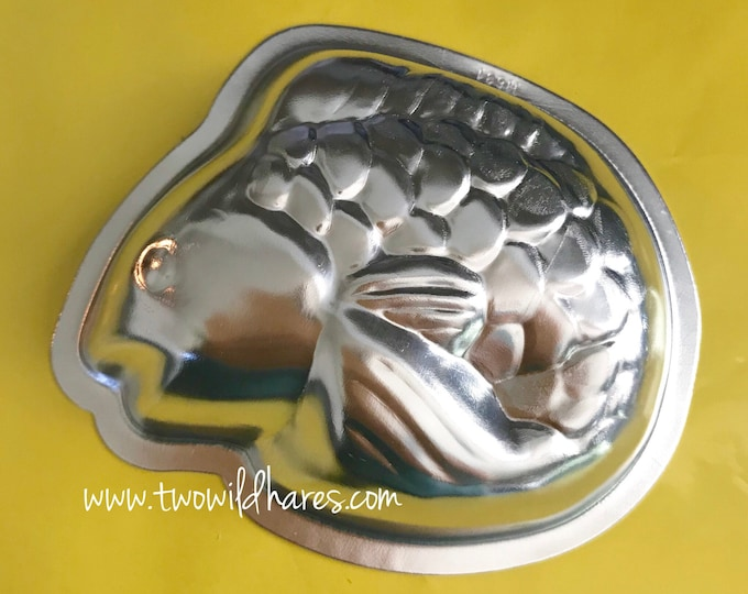 "LITTLE KOI Bath Bomb Mold, Metal, 4""x3""x1"", Two Wild Hares"