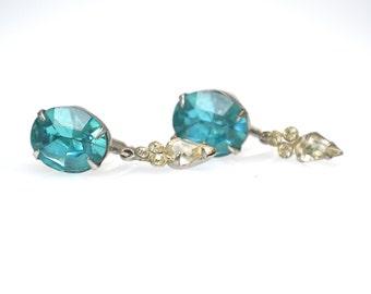Vintage Pale Blue Rhinestone Glass Screw Back Earrings Faceted Glass