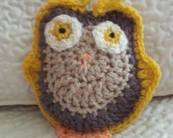 OWL crochet hanging in beige and Brown thread