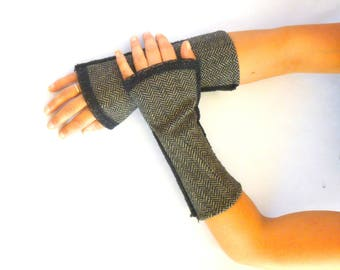 Fingerless gloves arm warmers retro woolen black large Chevron and Black Lace