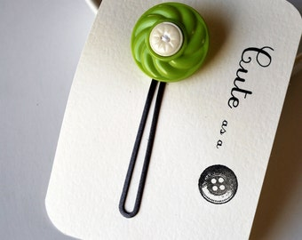 Cute as a Button Hair Pin - Chartreuse and White Vintage Buttons - Upcycled - Zakka - Bobby Pin