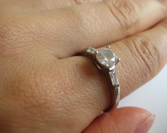 Ati Vintage Sterling silver Clear Gemstone Ring size 8