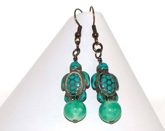 Turquoise Turtle Earrings - Green Vintage Beaded Earrings - Stone Turtles