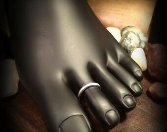 Sterling Silver Slim Half-Round Toe Ring
