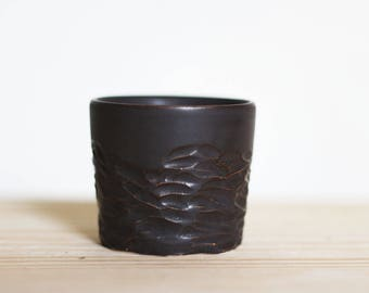 Tasse à thé / café en grès - terre gravée - céramique - fabrication artisanale