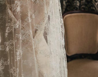 Traditional Chantilly Lace Veil, Wedding Veil, Wedding Vail, Wedding Viel, Chantilly Lace Wedding Veil