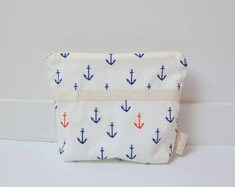 Clutch made from organic cotton