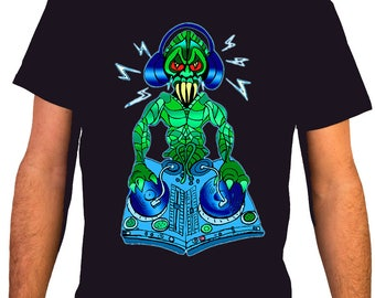 Turntable Monster / MSC 34 - Music DJ Man T-shirt
