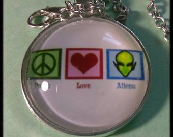 Peace, love, aliens necklace #Y8981lSV