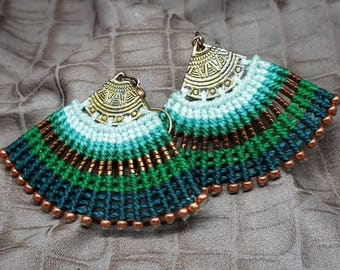 Micromacrame earrings. The color on your ears.