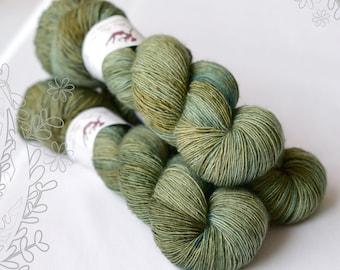 MERINO SLIGHT - Fern OOAK - hand dyed yarn, 100% superwash extra fine merino, singles
