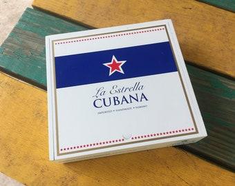 La Estrella Cubana wooden cigar box with sliding top lid crafters artists.