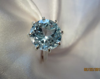 Beaultiful Blue Topaz Sterling Ring Size 8
