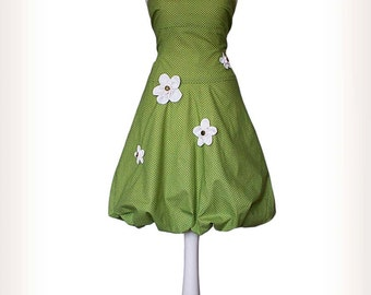 MISS BAY - Balloon Dress in light green with white dots, sewn flowers in cream