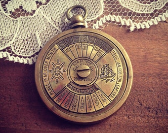 1 - 50 Year Perpetual Calendar Pendant, Antique Brass, Really WORKS, Nautical, Vintage Style Jewelry Supplies (BA025)