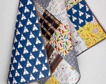 Baby boy Quilt, Tribal and Teepees patchwork crib Quilt, Baby boy gift, Tribal nursery bedding, Teepees Quilt.