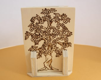 Wooden pen holder, Pirografo engraving, gift idea