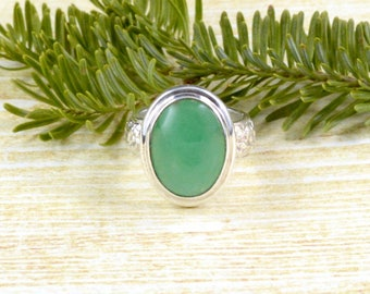Floral Band Chrysoprase Ring // Chrysoprase Jewelry // Sterling Silver // Village Silversmith