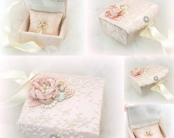 Wedding Ring Box Ivory Blush Pink Alternative Pillow Box for Wedding Rings Vintage Style Ring Box Wedding Gift Ring Holder Ring Cushion