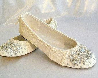 Wedding Ballet Flats ... Vintage Lace Bridal Shoes .Twinkle Toes Wedding Shoes . Crystal and Pearls. Wide Fit Available .Vintage Bride