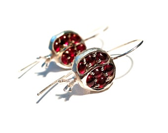 Pomegranate earrings in silver and garnets