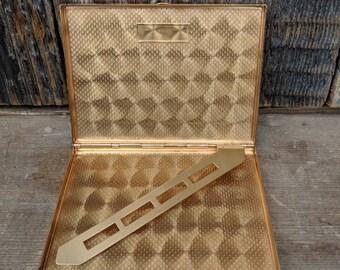 Vintage G.I.B. gold coloured Elgin American cigarette case