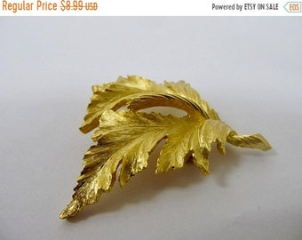 On Sale TRIFARI Vintage Textured Leaf Pin Item K # 233