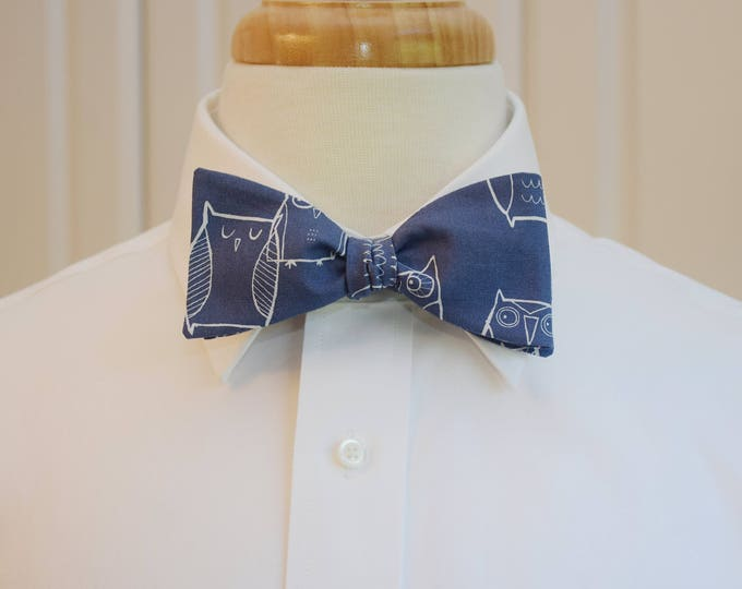 Men's Bow Tie in blue with little white owls, Rice graduate gift, zoo wedding bow tie, owl lover bow tie, owl lover's gift, steel blue tie