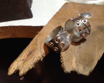 anneaux design large curviligne